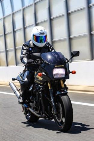 生身で乗る以上、取り返しのつかないケガにつながる可能性が高い「バイク」。運転は慎重に!