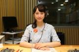 『AKB48のオールナイトニッポン』のラジオブースで緊張の面持ち