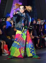 ファッションショー『日本元気プロジェクト 2015スーパーエネルギー!! Produced by KANSAI YAMAMOTO』の模様 (C)ORICON NewS inc.