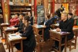 """いつもの教室ではなく、""""社会科準備室""""で授業を展開(C)テレビ朝日"""