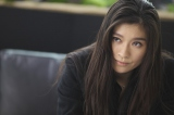 『アンフェア』はパートナー、雪平夏見は居心地のいい場所と語る篠原涼子。初公開の『アンフェア the end』劇中カット