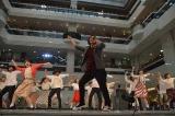 日本工学院の生徒25人とダンスパフォーマンスで共演 (C)ORICON NewS inc.