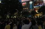 デビュー20周年記念のV6がイベント会場と東京・渋谷の街頭ビジョンをつなぐ生中継企画を敢行