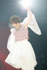 『KING SUPER LIVE 2015』に出演した米倉千尋 photo:kamiiisaka
