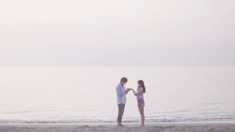 SPICY CHOCOLATEの新曲「ずっとマイラブ feat. HAN-KUN & TEE」ミュージックビデオより