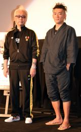 映画『ブラフマン』の完成披露舞台あいさつに出席した(左から)箭内道彦氏、BRAHMANのボーカル・TOSHI-LOW