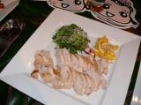 ロバート馬場がレシピを監修した「国産鶏肉桜姫藻塩ソテー」