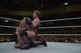WWE日本公演 ネヴィルに必殺のウォール・オブ・ジェリコを決めるクリス・ジェリコ (C)2015 WWE, Inc. All Rights Reserved.
