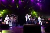 デビュー30年目のメモリアルイヤーに仙(セン)台で通算1000(セン)本目のライブを達成したTUBE