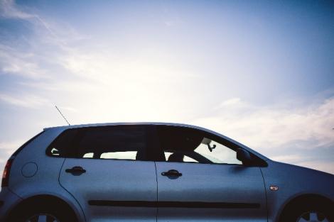 """保険料に大きく関わる「車両保険」。ファイナンシャルプランナーが""""安くするコツ""""を紹介"""