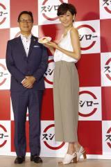 (左より)執行役員マーケティング本部長の森井理博氏、田丸麻紀
