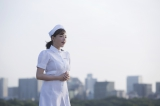 『AGAクリニック』「応援歌」篇に出演する篠崎愛
