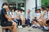 長崎市内の小学校を訪問し、戦争と平和について語り合ったMISIA。8月4日、NHKの特別音楽番組『いのちのうた』で放送(C)NHK