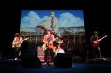7月28日に行われた完成披露試写会で「ダイバー」を生披露したKANA-BOON(C)岸本斉史 スコット/集英社・テレビ東京・ぴえろ(C)劇場版BORUTO製作委員会 2015