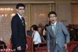 新規撮影部分に登場するのは八嶋智人(右)と鈴木浩介(左)