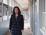 母親が30分かけて歩いて通っていた小中学校を訪れた又吉