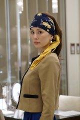 フェルメールが描いた『真珠の耳飾りの少女』のような美しい出で立ちの信子(C)テレビ朝日