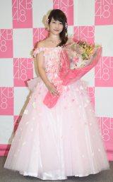 卒業コンサートと卒業公演で披露したドレス姿で取材に応じた (C)ORICON NewS inc.