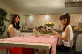 AKB48高橋みなみ(右)×SKE48松井玲奈(左)、卒業直前の緊急対談が実現。8月7日深夜放送、関西テレビ『ミュージャック』(C)関西テレビ
