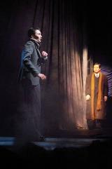 『ウーマン・イン・ブラック<黒い服の女>』舞台写真(撮影:御堂義乗)