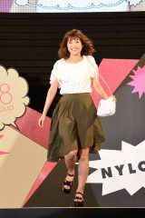 ファッションショー『NYLON JAPAN×WEGO meets AKB48 group produced by GirlsAward in a-nation island』に登場した宮澤佐江