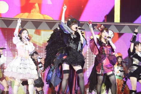 それぞれ異なるモンスターの仮装衣装をまとい、新曲「ハロウィン・ナイト」を披露した =『AKB48真夏の単独コンサート in さいたまスーパーアリーナ〜川栄さんのことが好きでした〜』初日公演(C)AKS