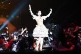 『AKB48真夏の単独コンサート in さいたまスーパーアリーナ〜川栄さんのことが好きでした〜』初日公演に登場した渡辺麻友(C)AKS