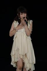 M11「記憶のジレンマ」を歌う川栄李奈〜『AKB48真夏の単独コンサート in さいたまスーパーアリーナ〜川栄さんのことが好きでした〜』初日公演(C)AKS