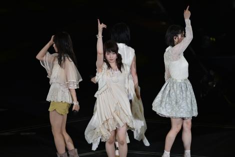 M11「記憶のジレンマ」〜『AKB48真夏の単独コンサート in さいたまスーパーアリーナ〜川栄さんのことが好きでした〜』初日公演(C)AKS