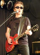 新バンド「ROLL-B DINOSAUR」(ロール・ビー・ダイナソー)のデビューライブを行った織田哲郎 (C)ORICON NewS inc.