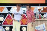 テレビ朝日系『さまぁ〜ず×さまぁ〜ず』屋外公開収録を行ったさまぁ〜ず。会場に隠れていたシークレットゲスとの掛け合も(C)テレビ朝日