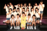 SKE48劇場で研究生公演を見守った松井玲奈 (C)AKS