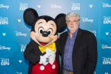 ミッキーマウスとジョージ・ルーカスの2ショット