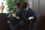 前代未聞のスキャンダルに巻き込まれた官房長官・カリヤンこと狩屋孝司(金田明夫)の更迭問題で親子が激突(C)テレビ朝日