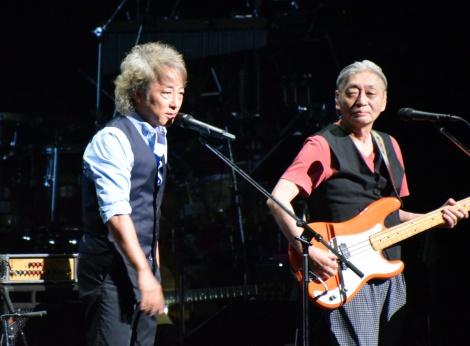 『風街レジェンド2015』初日公演に出演した(左から)佐野元春、細野晴臣 (C)ORICON NewS inc.