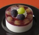 『巨峰とマスカットのケーキ 贅沢仕立て(3.5号)』(税込価格:1490円)