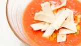 傷みやすいトマトは、冷凍しておくと長持ち&調理も便利!「夏野菜のひんやり冷製トルティーヤスープ」 (25日=デルソーレ・キッチン 親子で小麦ごはん教室イベントで披露)