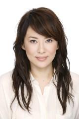 10月スタートのフジテレビ系木曜劇場『オトナ女子(仮)』に出演する鈴木砂羽