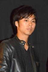 映画『表と裏 第2章』初日舞台あいさつに登壇した小野塚勇人(劇団EXILE)