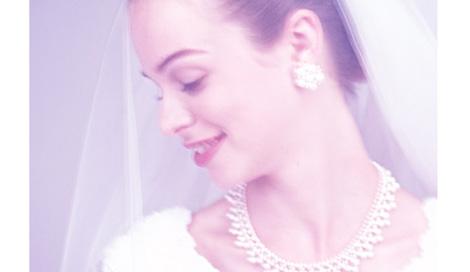 サムネイル オンナに生まれたからには、一度はウエディングドレスを着てみたい…