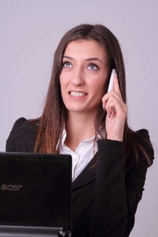 """実務で忙しい時に""""コールドコール""""を上手くかわす方法とは?"""