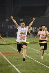 予選第8組で1位となったチーム8の太田奈緒(C)AKS