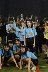 『第1回AKB48グループ対抗大運動会』で最下位となり、崩れ落ちるチームB(C)AKS