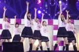 西野七瀬&白石麻衣のWセンター新曲を初披露した乃木坂46