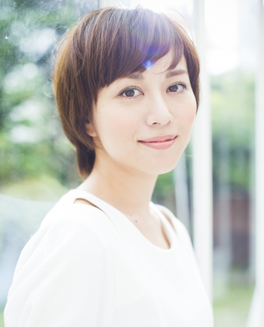 10月スタートのテレビ朝日系金曜ナイトドラマ『サムライせんせい』に出演する比嘉愛未