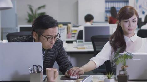 資生堂のWeb動画「伝説のOL・五秒霧子(ごびょうきりこ)」シーンカット
