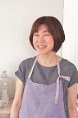 マシュマロを使ったお手軽スイーツを揃えたレシピ本『マシュマロスイーツ』(税抜1200円・主婦の友社)の著者・下迫綾美さん
