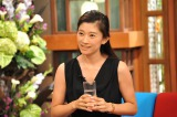 毎日飲んでいるというスペシャルドリンクをお土産に登場した篠原涼子