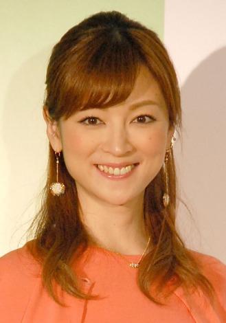 サムネイル 一般男性との婚約を発表した吉澤ひとみ (C)ORICON NewS inc.