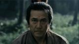 『マルちゃん正麺』の新CMで侍姿を披露している役所広司